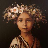 Copila cu coronita de flori de camp