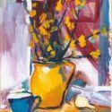 Flori de primavara in vas de lut galben si ceasca albastra