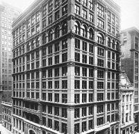 Stiati ca primul zgarie-nori a fost construit in Chicago?