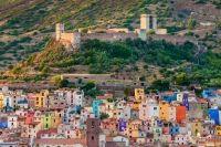 Bosa, Sardinia - unul dintre cele mai frumoase sate din Europa