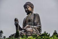 Buddha Tian Tan - cea mai mare statuie din bronz a lui Buddha