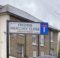 O strada londoneza a primit numele lui Freddie Mercury