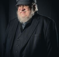 "George R.R. Martin ar putea lansa anul viitor ""The Winds of Winter"""
