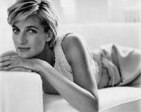 Stilul vestimentar inconfundabil al Printesei Diana