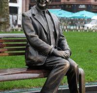 Mr. Bean are statuie in Leicester Square din Londra